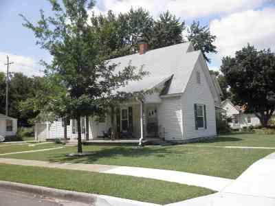 Winfield KS Single Family Home For Sale: $57,500