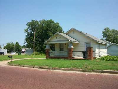 Arkansas City Single Family Home For Sale: 926 N 1st Street