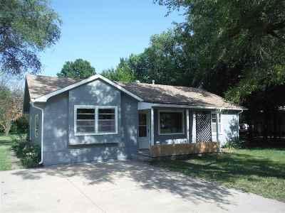Douglass Single Family Home For Sale: 120 N Poplar