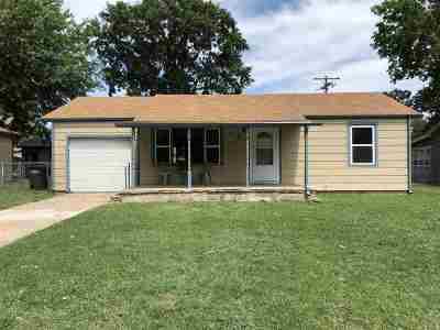 Arkansas City KS Single Family Home For Sale: $64,900