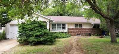 Wichita Single Family Home For Sale: 4018 W Westport St