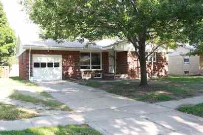 Wichita KS Single Family Home For Sale: $900