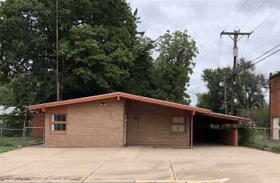 Arkansas City KS Single Family Home For Sale: $85,900
