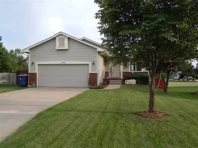 Derby Single Family Home For Sale: 1704 N Amber Ridge Pl