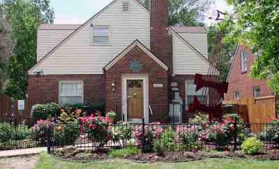 Wichita Single Family Home For Sale: 1825 E Waterman St