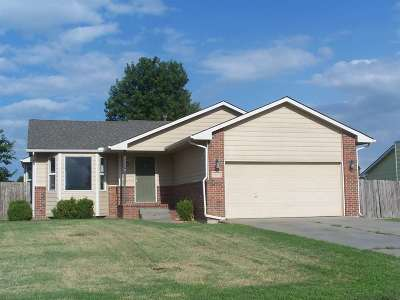 Sedgwick County Single Family Home For Sale: 612 S Country Lakes Cir