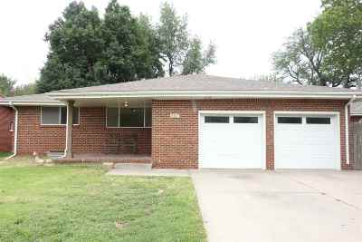 Wichita Single Family Home For Sale: 2227 E Stafford