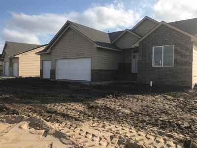 Maize Single Family Home For Sale: 529 S Horseshoe Bnd