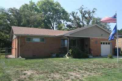 Wichita Single Family Home For Sale: 541 S Eastern St