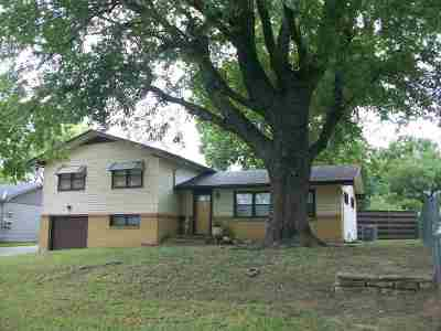 Arkansas City KS Single Family Home For Sale: $99,950