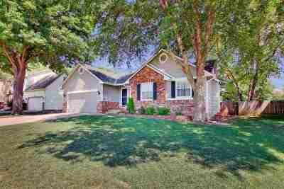 Derby Single Family Home For Sale: 200 E Oak Meadows