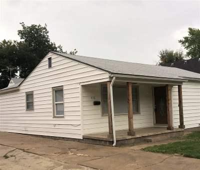 Wichita Single Family Home For Sale: 650 S Estelle