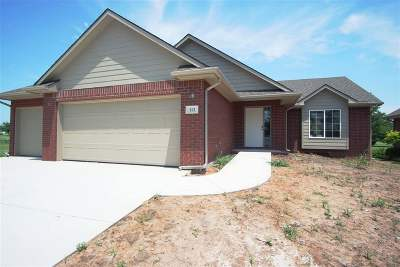 Hesston Single Family Home For Sale: 112 Kingsway
