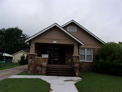 Arkansas City KS Single Family Home For Sale: $59,000