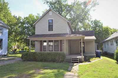 Newton Single Family Home For Sale: 112 Allison St