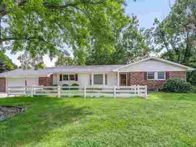 Hesston Single Family Home For Sale: 300 Erb St