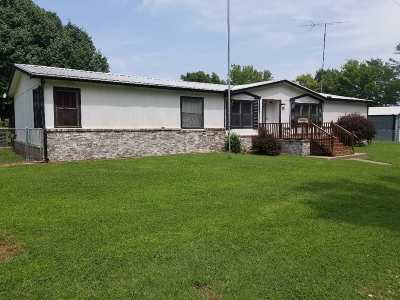 Winfield KS Single Family Home For Sale: $89,900