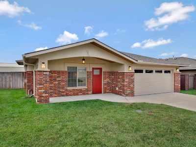 Winfield KS Single Family Home For Sale: $175,000