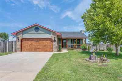 Mulvane Single Family Home For Sale: 206 E Country Walk Ln