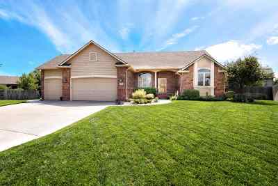 Wichita Single Family Home For Sale: 622 N Thoroughbred Ct