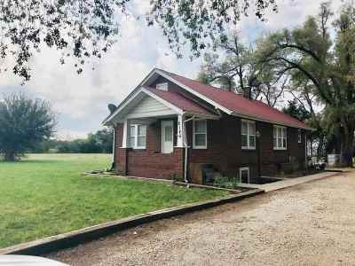 Moundridge Single Family Home For Sale: 2145 Arrowhead Rd
