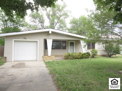 Wichita Single Family Home For Sale: 7208 W 12th St