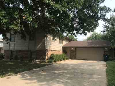 Wichita Single Family Home For Sale: 8639 E Hurst St