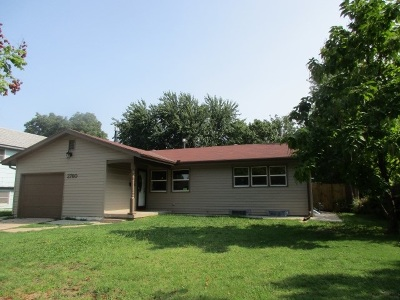 Wichita Single Family Home For Sale: 2760 S Hiram Ave