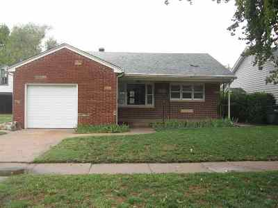Wichita Single Family Home For Sale: 1020 W Irving St