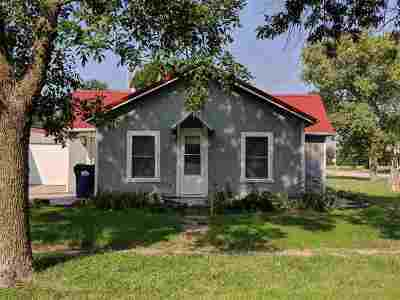 Burrton Single Family Home For Sale: 321 N Kansas Ave