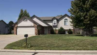 Rose Hill Single Family Home For Sale: 520 E Showalter St