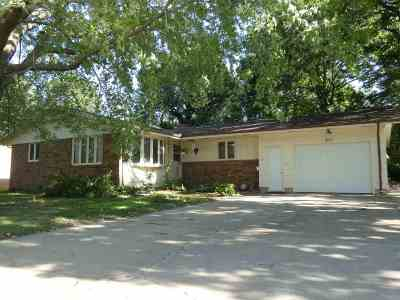North Newton Single Family Home For Sale: 211 W 26th Street