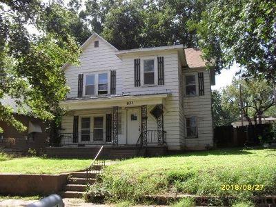 Arkansas City KS Single Family Home For Sale: $38,750