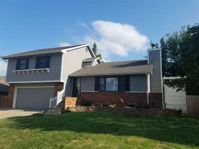 Derby Single Family Home For Sale: 501 E Tall Tree
