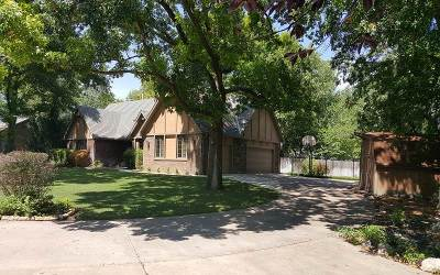 Harvey County Single Family Home For Sale: 906 Grandview