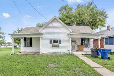 Newton Single Family Home For Sale: 114 W 2nd
