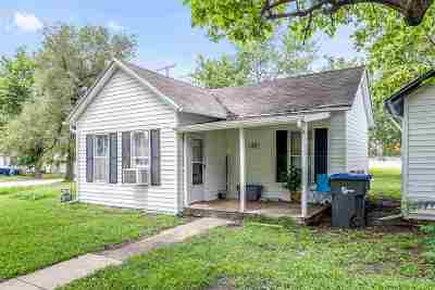 Newton Single Family Home For Sale: 128 W 2nd