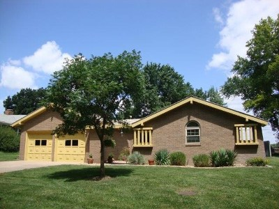 Mulvane Single Family Home For Sale: 16 N Willowdell Dr