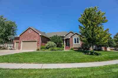 Wichita Single Family Home For Sale: 2601 N Lake Ridge St