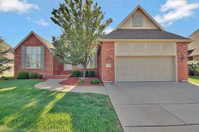 Wichita Single Family Home For Sale: 1902 N Cranbrook St