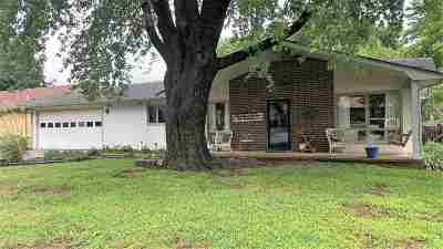 Arkansas City KS Single Family Home For Sale: $134,900