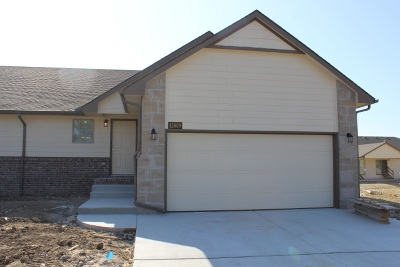 Wichita KS Single Family Home For Rent: $1,395