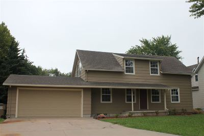 Hesston Single Family Home For Sale: 232 E Spruce