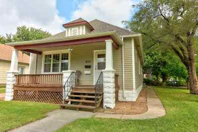 Newton Single Family Home For Sale: 624 E 5th St