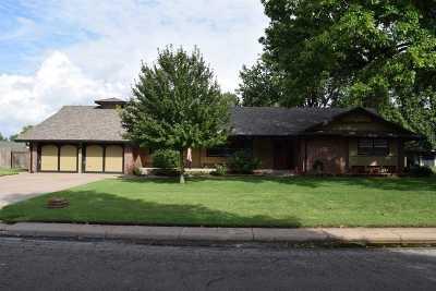 Mount Hope Single Family Home For Sale: 204 N Randall St