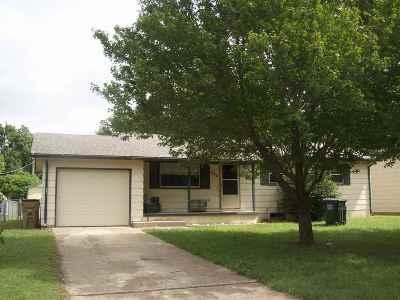 Halstead Single Family Home For Sale: 806 Walnut
