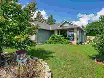Derby Single Family Home For Sale: 1812 E Glen Hills Dr