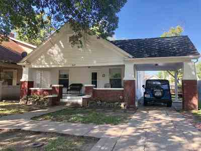 Arkansas City Single Family Home For Sale: 827 S A