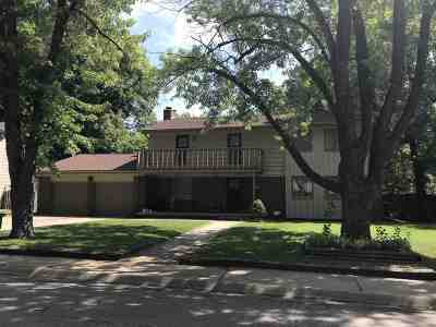 Derby Single Family Home For Sale: 854 E Morningview St