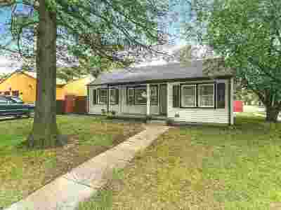 Wichita Single Family Home For Sale: 601 Courtleigh St